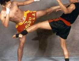 MUAY-THAI-ATTACK-DEFENCE-KICK-300x200