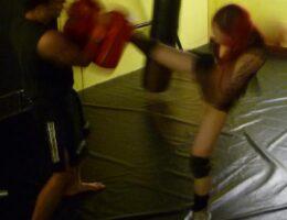extreme academy tarn thai kick2